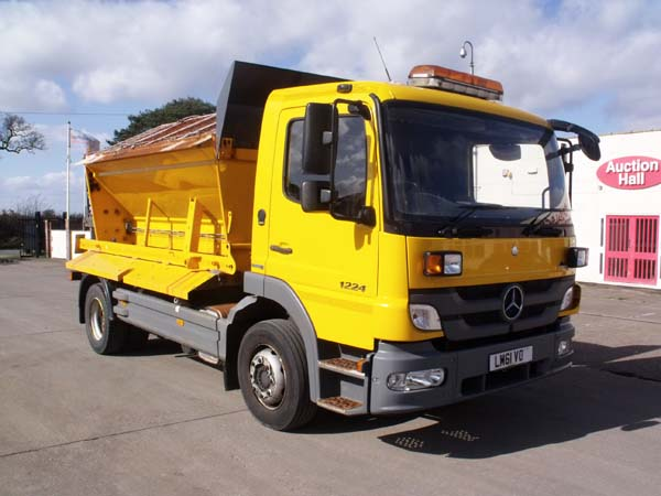 Ref: 67 - 2012 Mercedes 12 ton Gritter For Sale