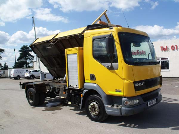 Ref: 29 - 2006 DAF 10 Ton  Tipper with compressor For Sale