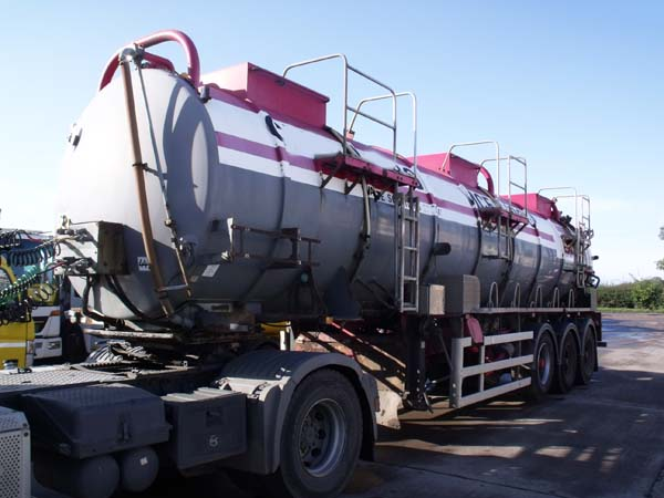 Ref: 64 - 2002 Vallely Stainless Steel Tanker For Sale