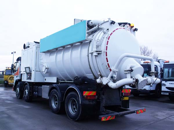 Ref: 28 - 1999 Volvo Disab wet and dry vacuum tanker for sale
