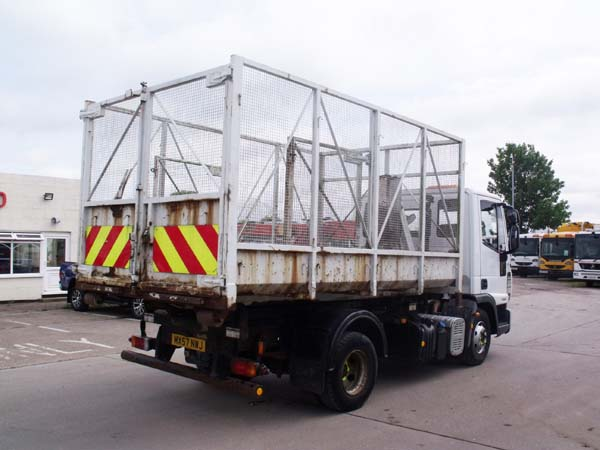 REF 108 - 2007 Iveco 7.5 Ton Hook Loader For Sale