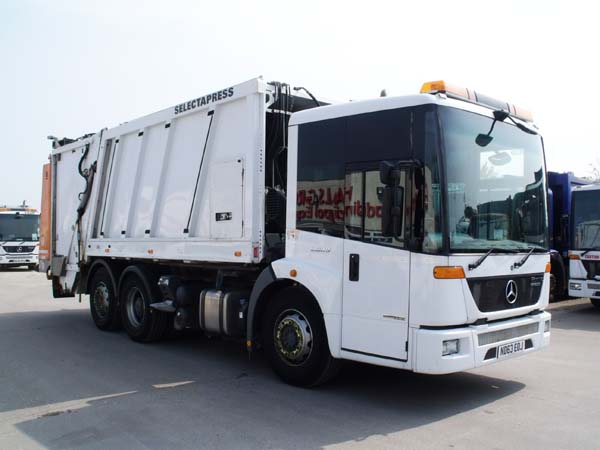REF 28 - 2013 Mercedes Faun Split body Refuse Truck For Sale