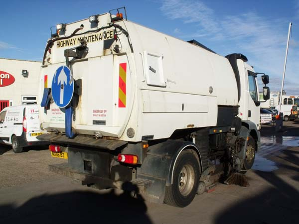 Ref: 50 - 2009 DAF Johnston VT650 Road Sweeper For Sale