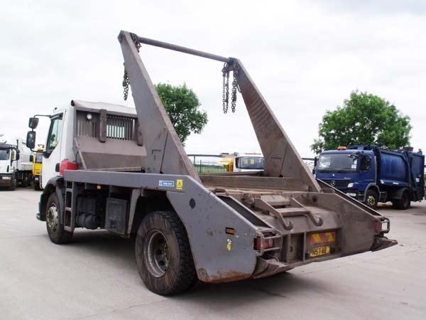 Ref: 83 -2007 Volvo Skip Lorry For Sale