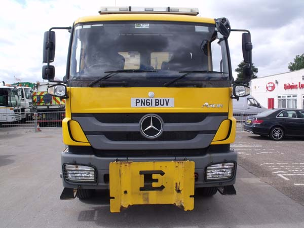Ref: 64 - 2011 Mercedes Econ Gritter For Sale