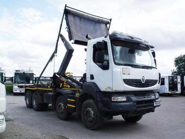 REF 133 - 2013 Renault Kerax Hook Loader For Sale