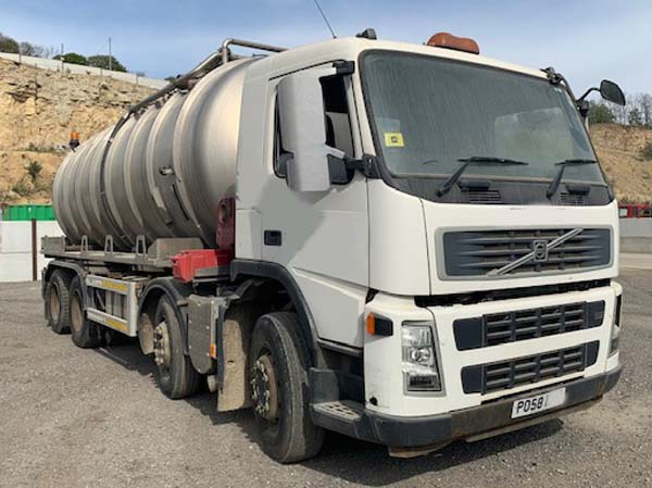 Ref: 05 - 2009 Volvo Stainless Steel Vacuum Tanker For Sale