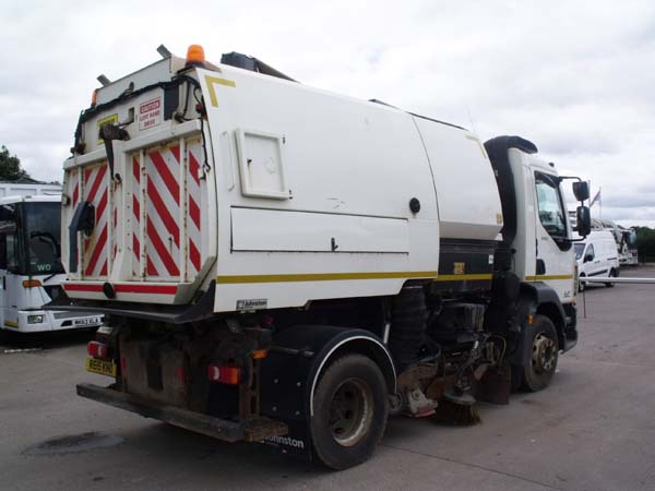Ref: 111 - 2015 DAF Johnston VT651 Dual Sweep Road sweeper For Sale