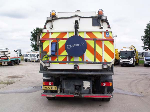 Ref: 81 - 2015 DAF Johnston VT651 Dual Sweep Road sweeper For Sale