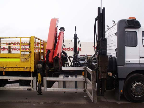 Ref: 65 - 2008 Mercedes Barrier Rig For Sale