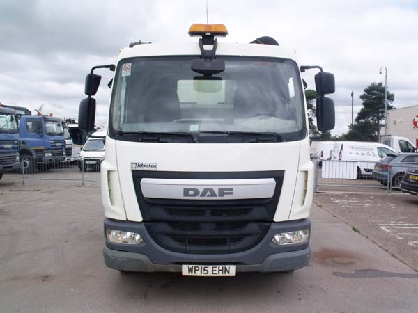 Ref: 93 - 2015 DAF Johnston VT651 Dual Sweep Road sweeper For Sale
